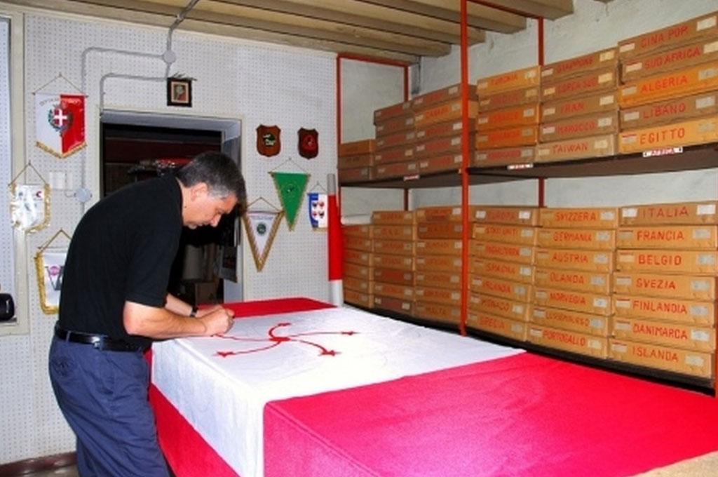 creazione paramenti gonfaloni gagliardetti bandiere